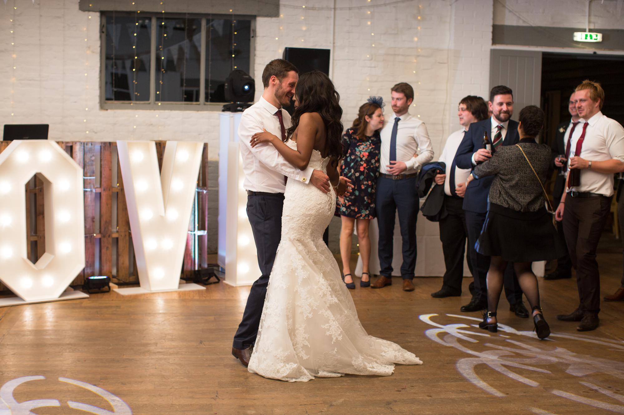 dove-barn-wedding-16